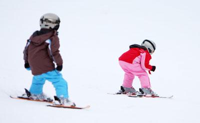location ski alpin enfant et adolescent